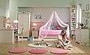 teen girl's room-flora